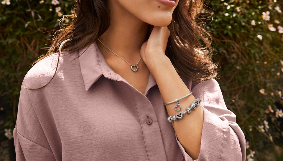 Snake chain pattern necklace, bracelet and charms from Pandora Icons collection