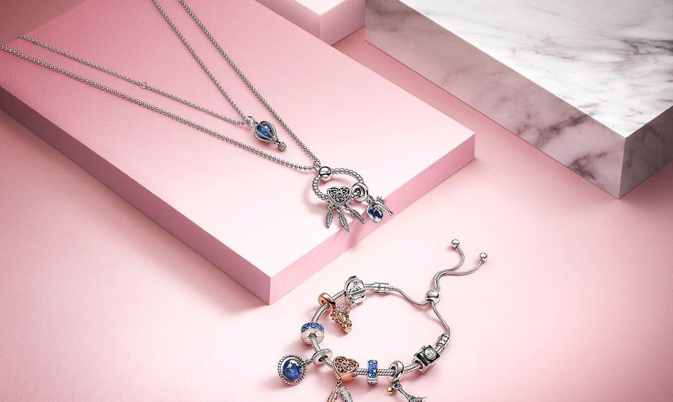 Pandora halskæde, armbånd og Pandora O Pendant med blå charms