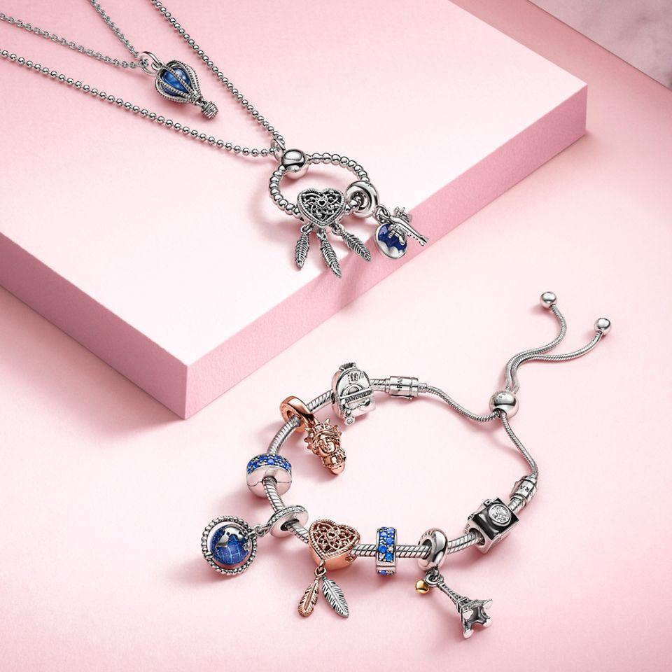 Pandora Halskette, Armband und Pandora O Anhänger mit blauen Charms