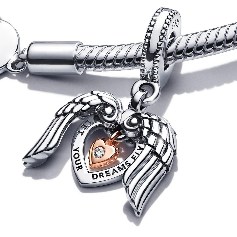 Pandora Moments Heart T-Bar Snake Chain Bracelet and Pandora Club Charm 2021.