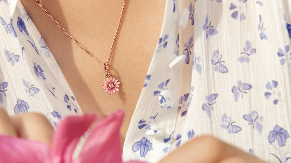 01_04_jewellery_styling_tips_gallery