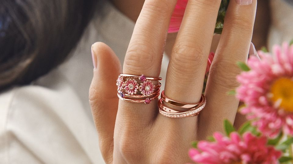 02_04_jewellery_styling_tips_gallery