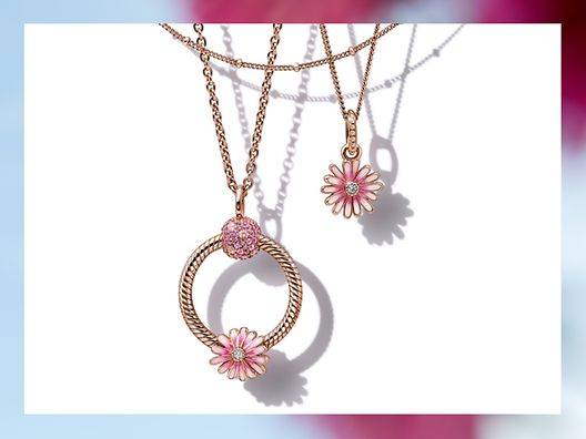 01_03_jewellery_styling_tips_gallery