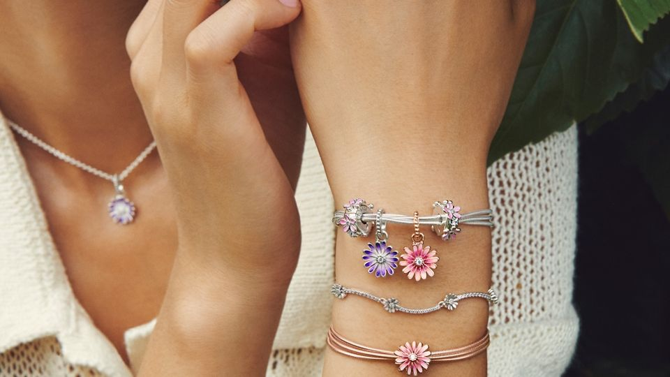 03_02_jewellery_styling_tips_gallery
