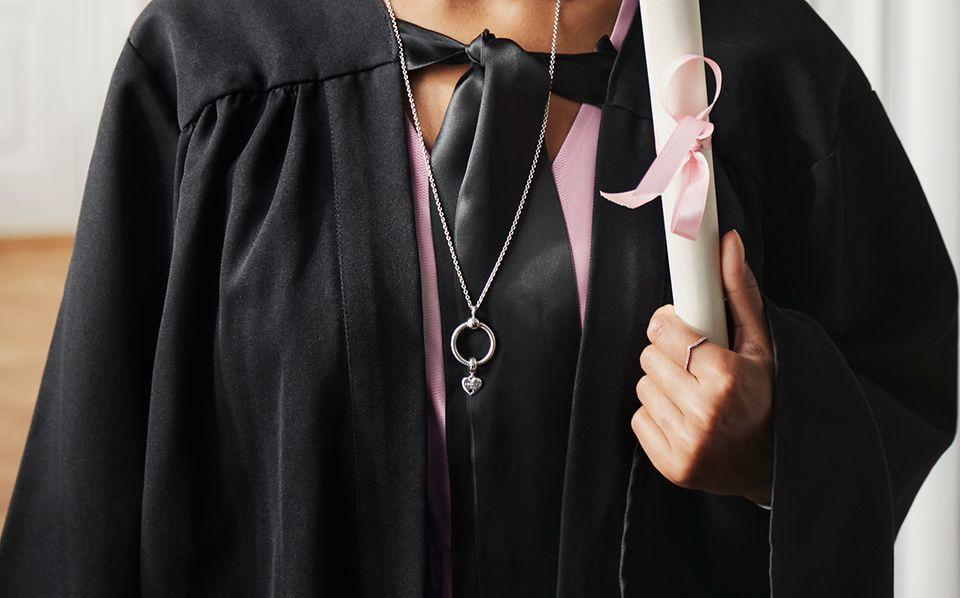 2021_C_Occasions_Model_Graduation_01