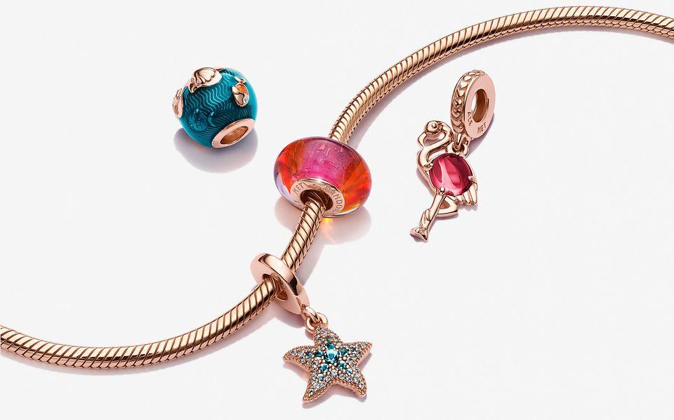Blue Ocean ormkedjearmband och havsinspirerade berlocker i Pandora Rose