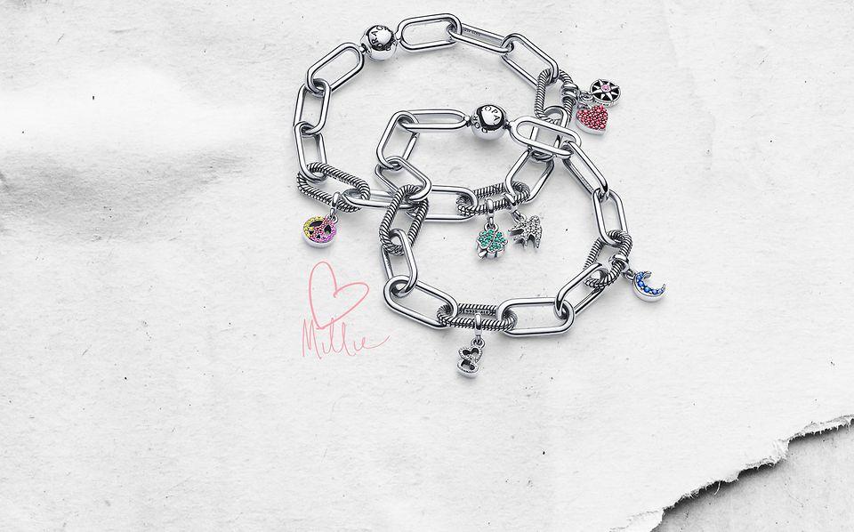 Pulseras de charms en plata de primera ley de con micro charms colgantes de Pandora Me