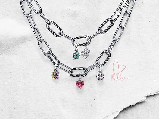 Collares de charms en plata de primera ley de con micro charms colgantes de Pandora Me