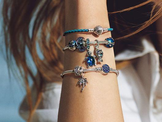 Charms_bracelet_gallery_01_01