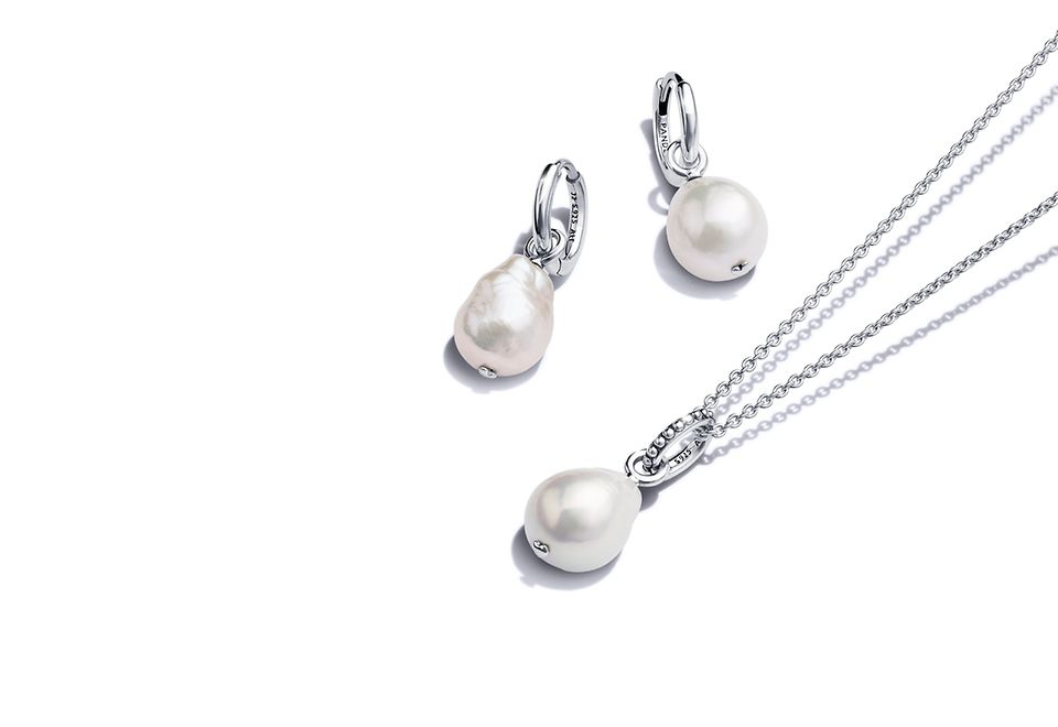 Pandora Blue Ocean sterling silver and freshwater pearl necklace and earrings