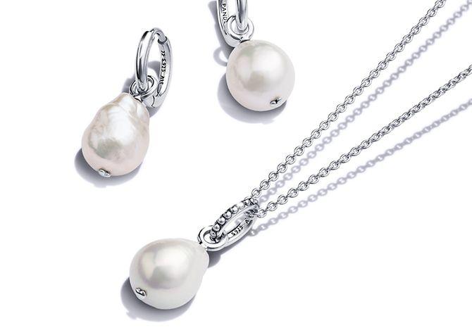 Srebrne kolczyki i naszyjnik Pandora Blue Ocean z perłami hodowlanymi