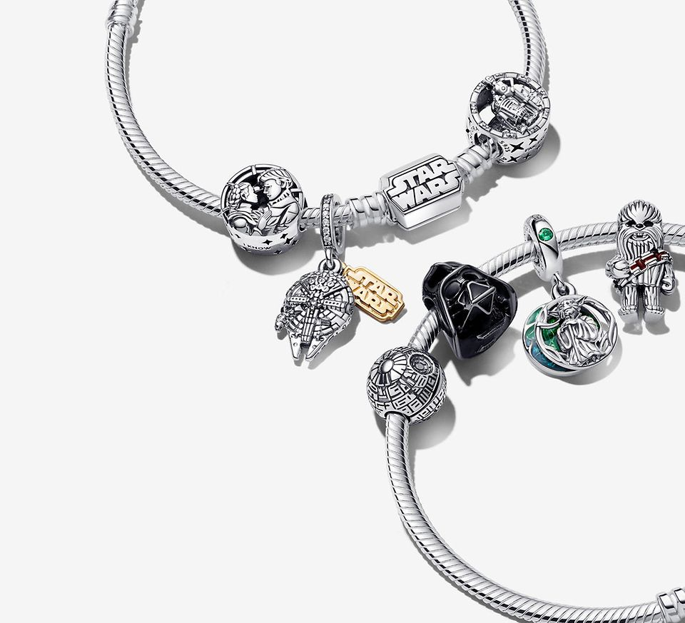 Sterling silver bracelet with coulourful charms from Star Wars x Pandora