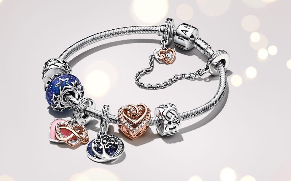 Pandora Moments Armband aus Sterling-Silber mit himmlischen Charms