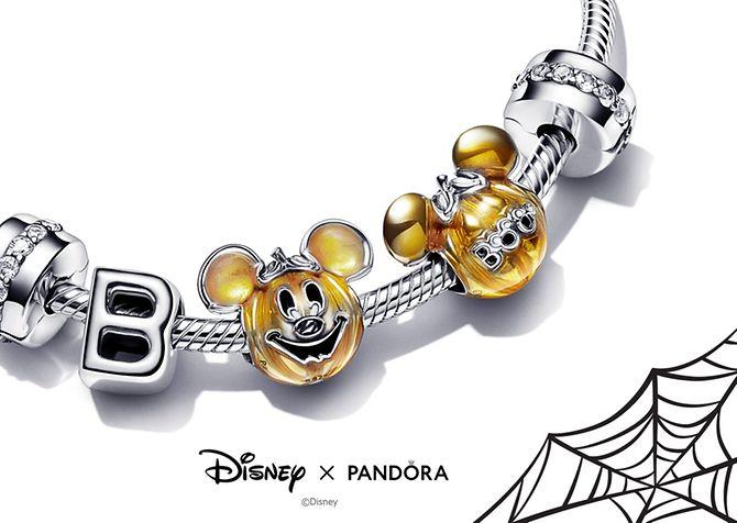 AW21_F_Disney_Halloween_Featured_Logo_desktop