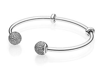 596438CZ_Moments_open_bangle_340x234