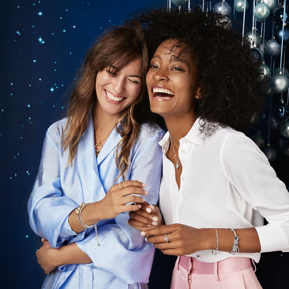 The Pandora Holiday 2019 collection includes sparkling rings, necklaces, bracelets and earrings and is perfect for the season's festive occasions.