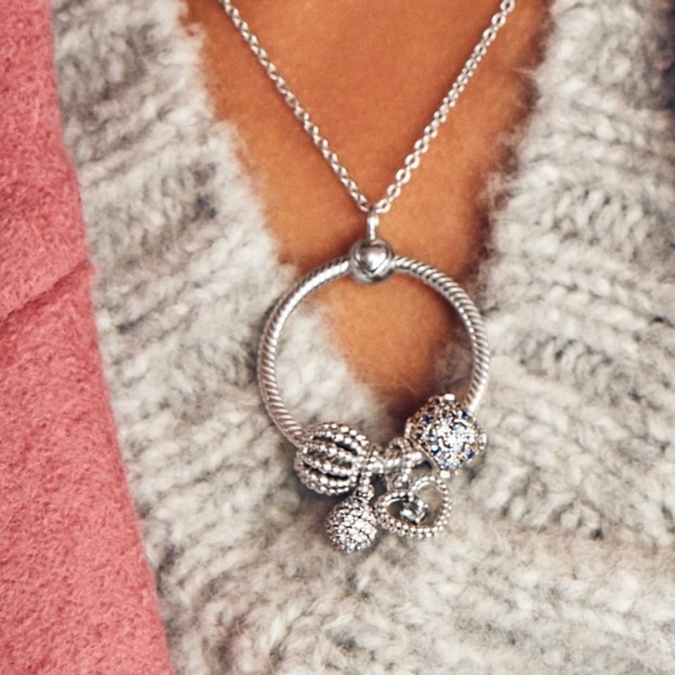 n_charms_necklace_slider_1_1
