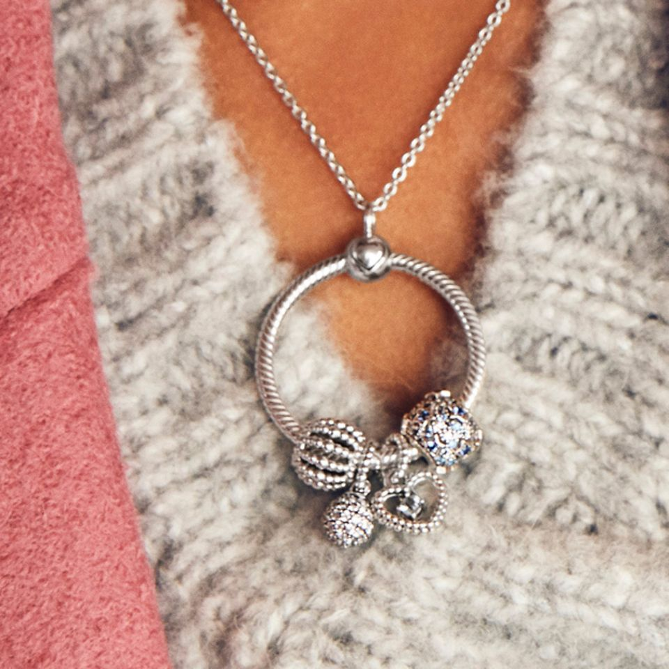 charms_necklace_slider_1_1