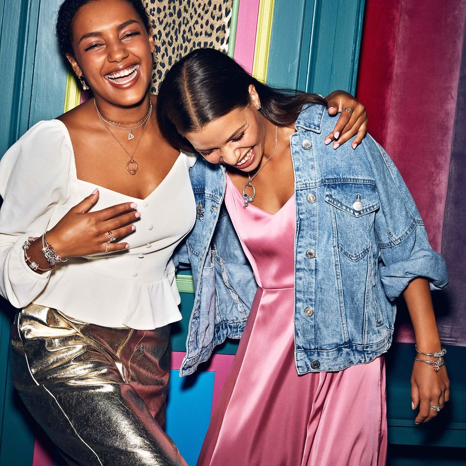 Celebrate Galentine's Day with your best friends and gift them meaningful jewellery pieces in sterling silver, Pandora Rose and Pandora Shine that takes your friendship to new heights.