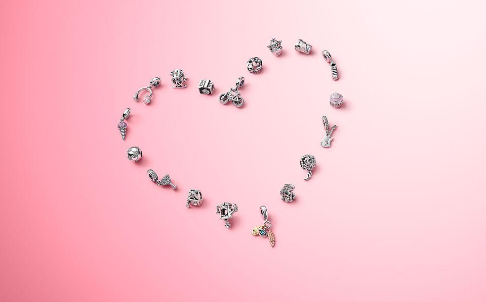 Draag bedels die staan voor datgene waar jij van houdt, met de Pandora Passions-collectie.