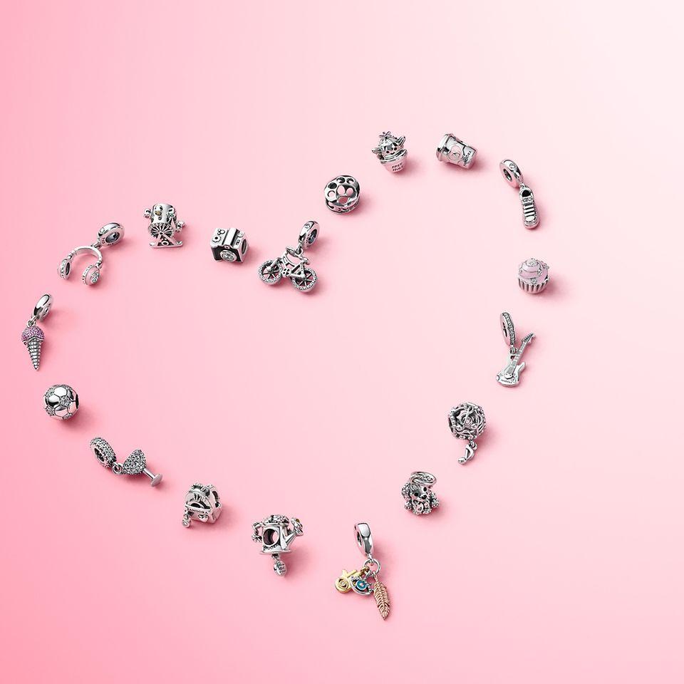 精雅串饰为Pandora Passions系列中你喜爱的元素平添亮点。