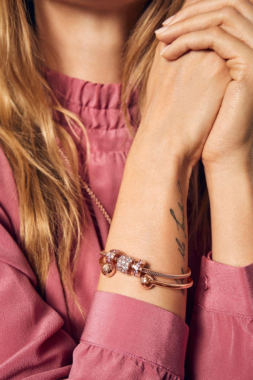 Pokaż, jak dobrze ją znasz – podaruj jej klasyczną biżuterię Pandory.