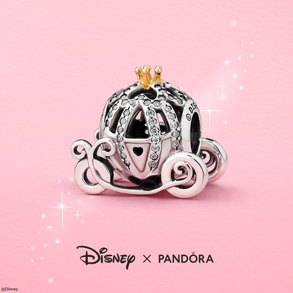 Q2_2020_Apr_SoMe_Product_Image_Disney_Forever_Favourites_Cinderella_RGB_Logo_Square.jpg