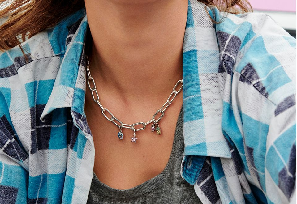 Statement chunky necklace with charm from the Pandora Me jewellery collection