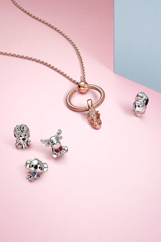 Charms et bijoux icônes nationales de la collection Pandora Places
